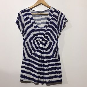 5/$32 Daisy Fuentes Blue White Tie Die Knotted Top